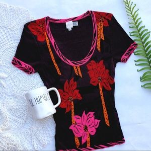 Caché Floral Ribbed Short Sleeved Top